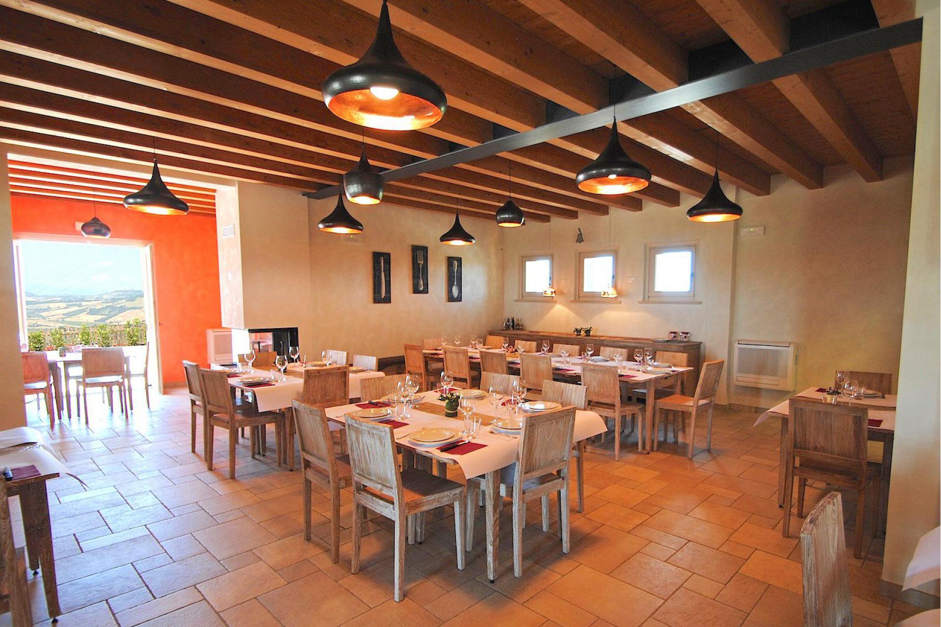 Agriturismo Toscana Accogliente agriturismo a 800 metri dalla costa toscana