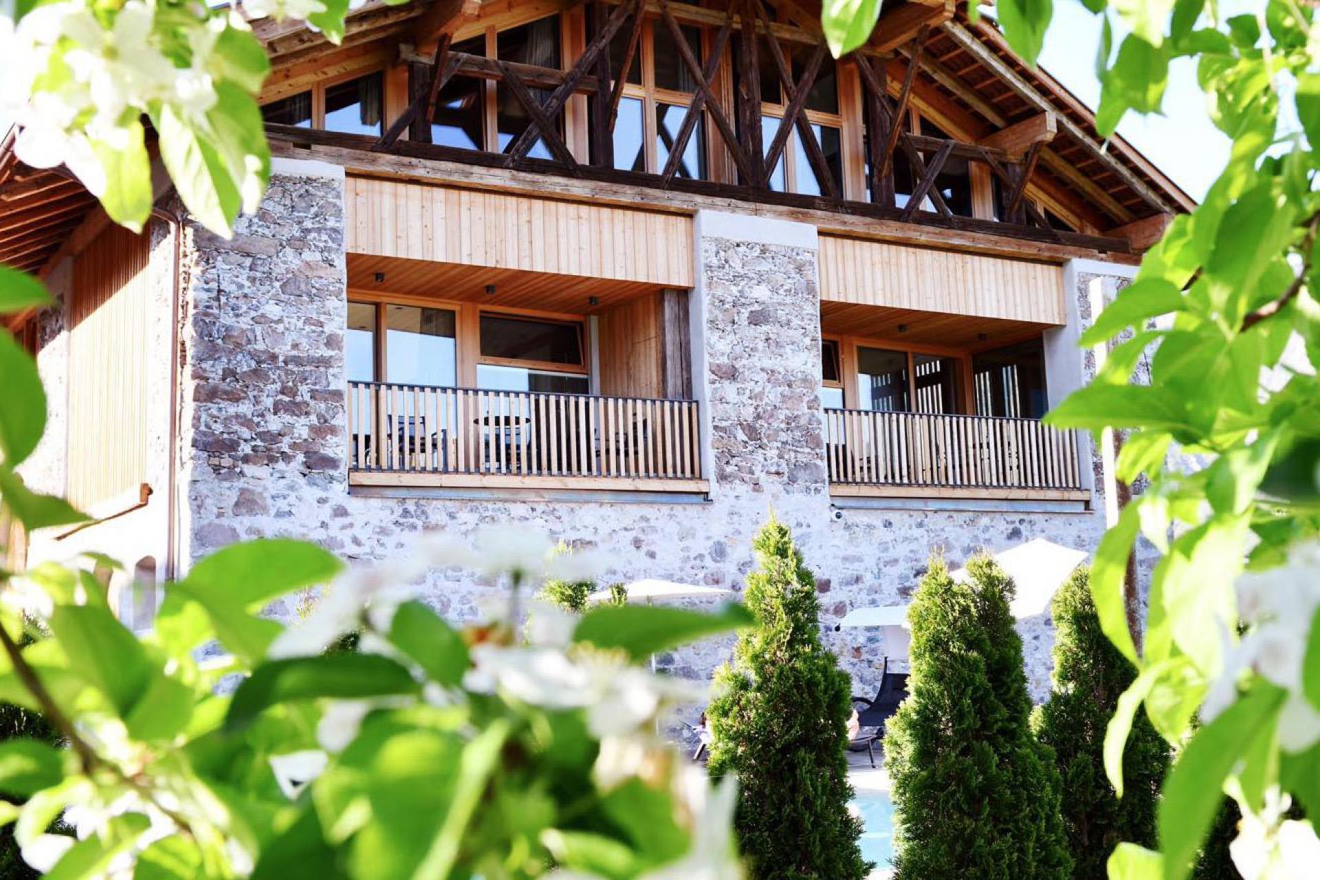 Agriturismo Dolomiti Accogliente agriturismo in un meleto nelle Dolomiti