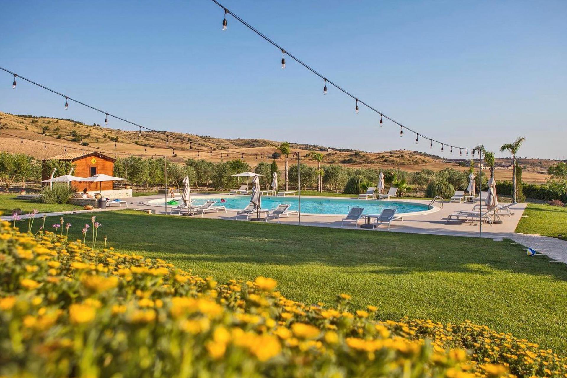 Agriturismo Sicilia Agriturismo adatto alle famiglie con bellissima piscina