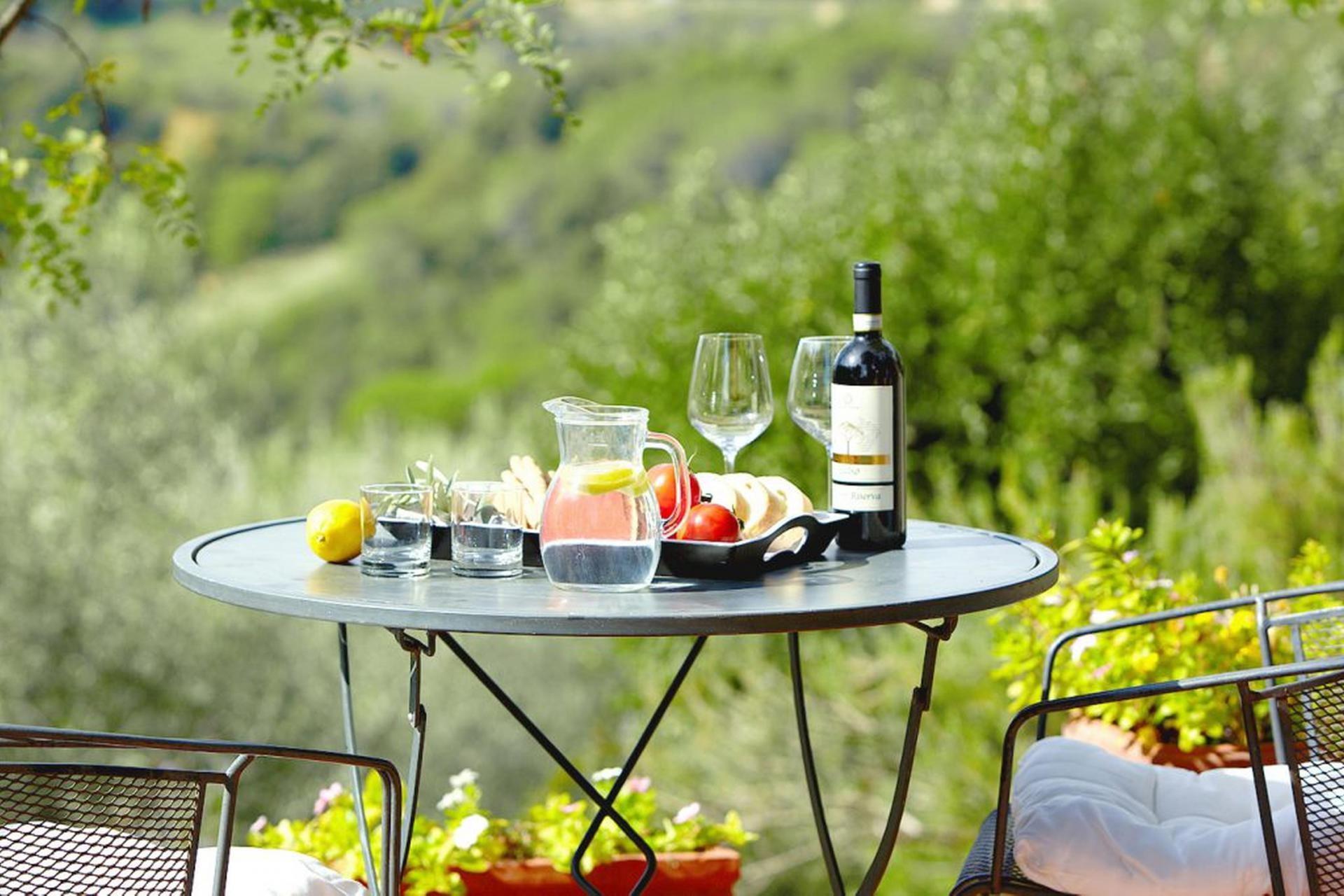 Agriturismo Lago di Como e lago di Garda Agriturismo con ristorante e vista sul lago di Como