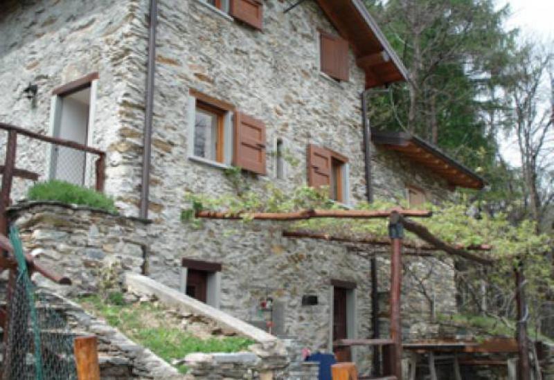 Agriturismo Lago di Como e lago di Garda Agriturismo con vista mozzafiato del lago di Como
