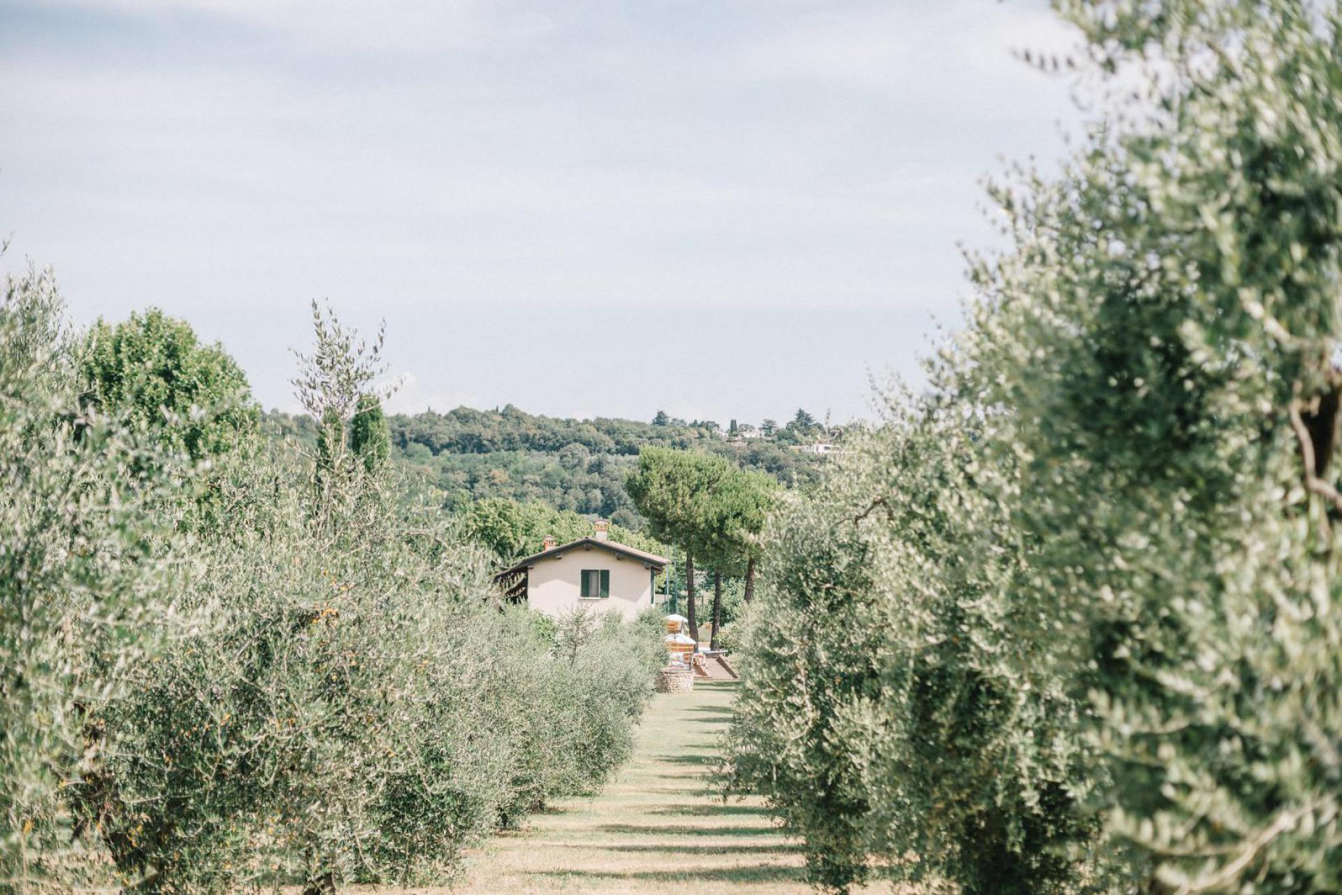 Agriturismo Lago di Como e lago di Garda Agriturismo lago di Garda per famiglie, posizione centrale