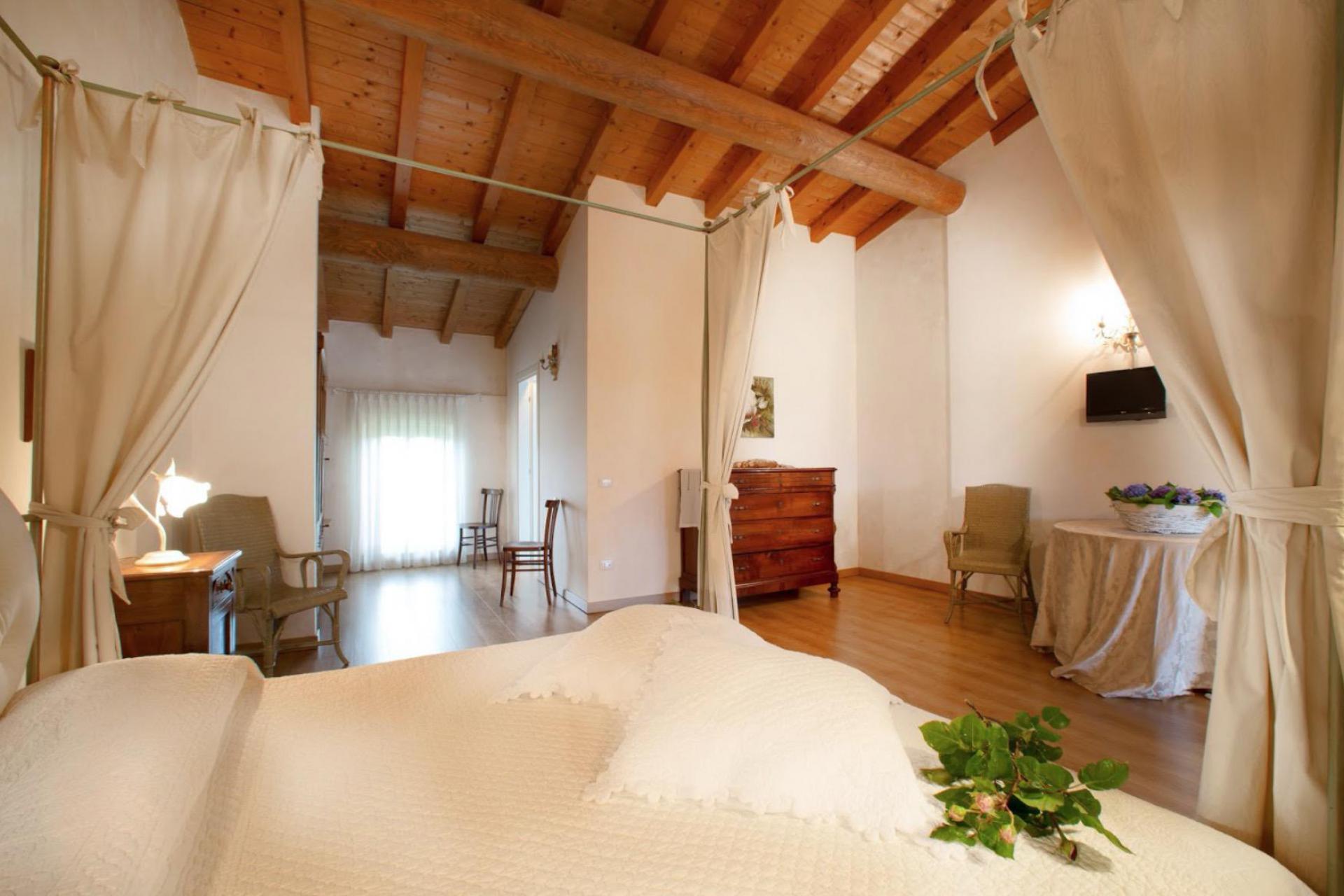 Agriturismo Lago di Como e lago di Garda Agriturismo piccolo e accogliente vicino al lago di Garda
