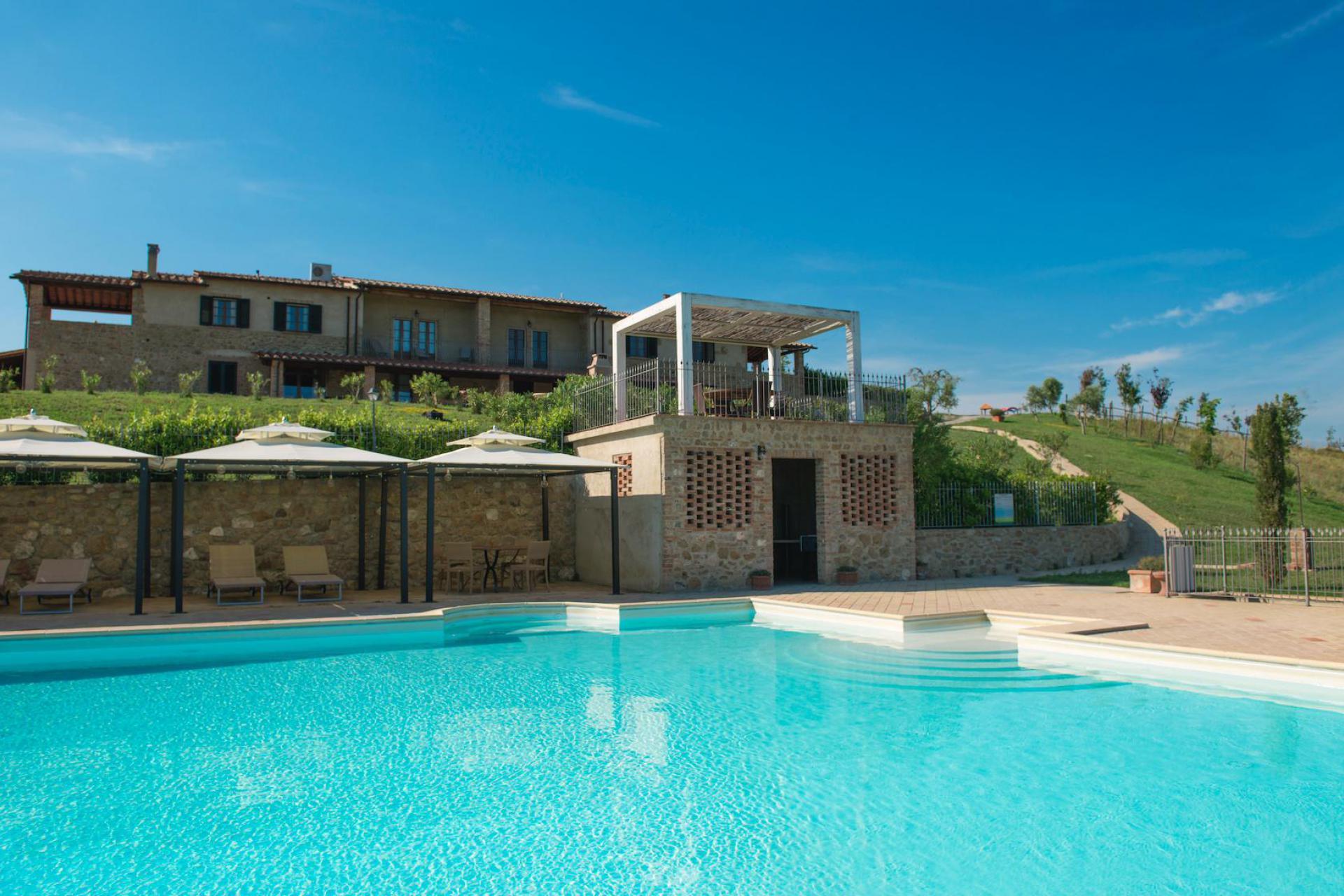 Agriturismo Toscana Agriturismo divertente in Toscana con piscina panoramica