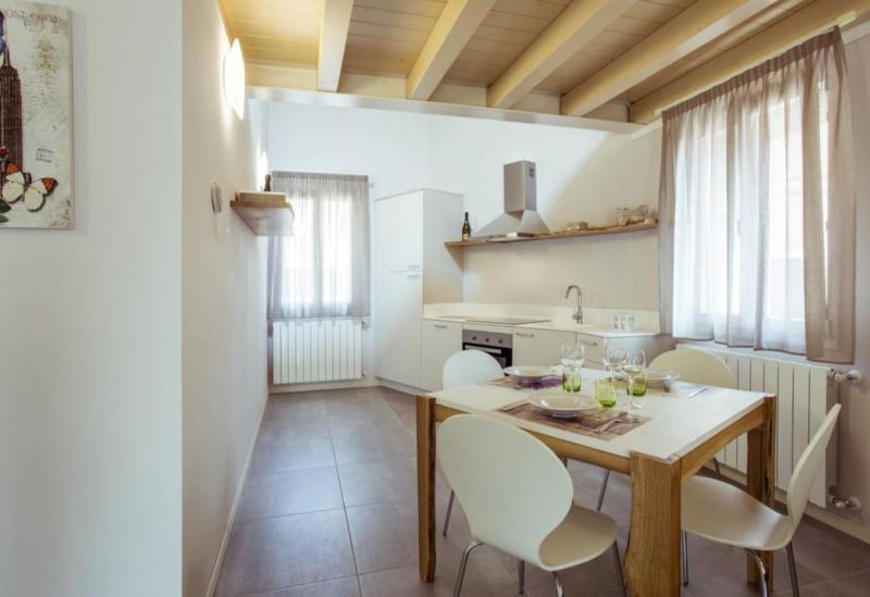 Agriturismo Lago di Como e lago di Garda Appartamenti nel caratteristico paese vicino al Lago di Garda