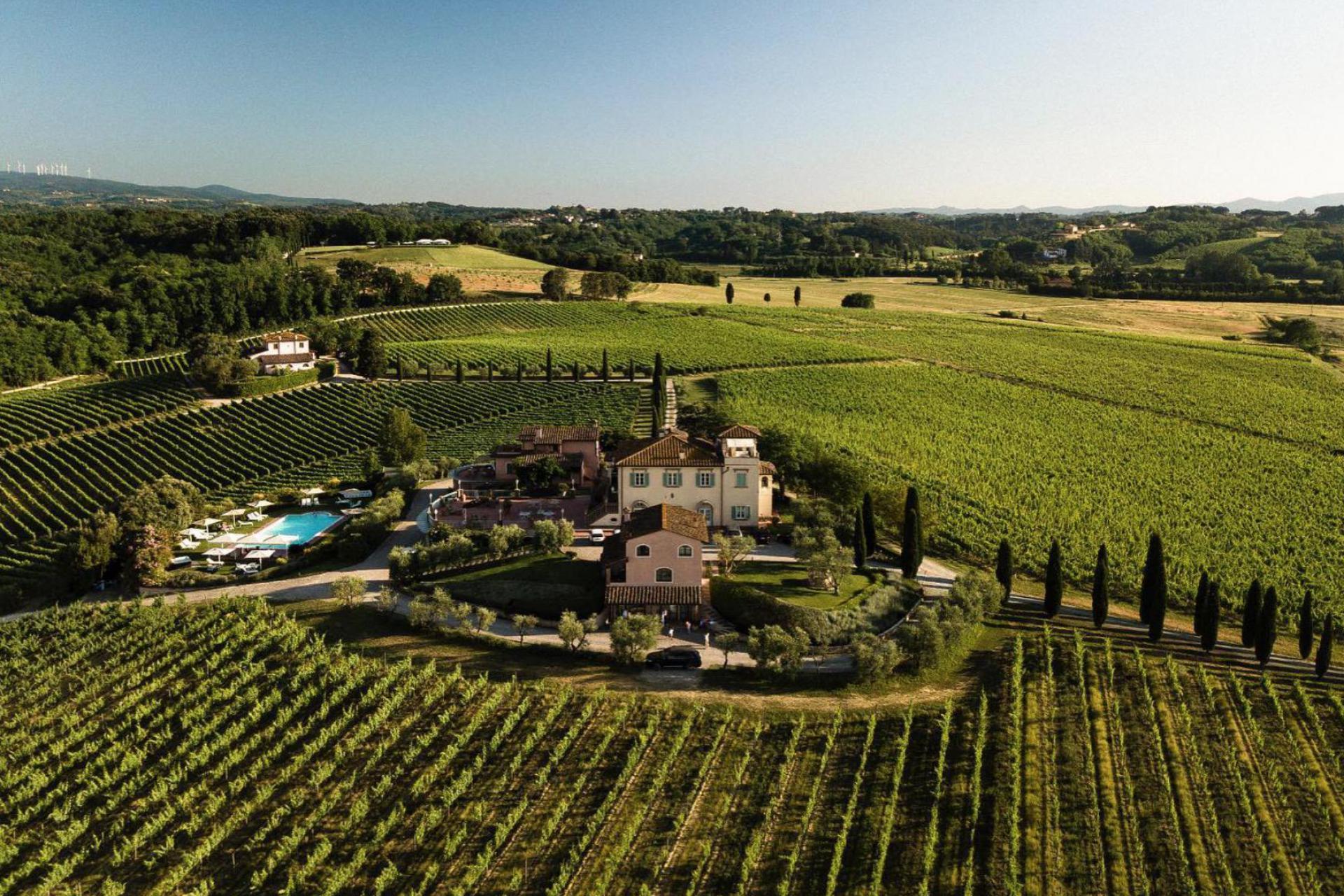 Agriturismo Toscana Azienda vinicola e agriturismo di lusso vicino Pisa