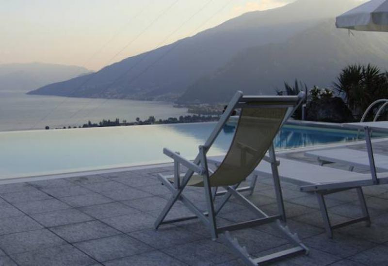 Agriturismo Lago di Como e lago di Garda Piccolo residence lago di Como, piscina e bella vista