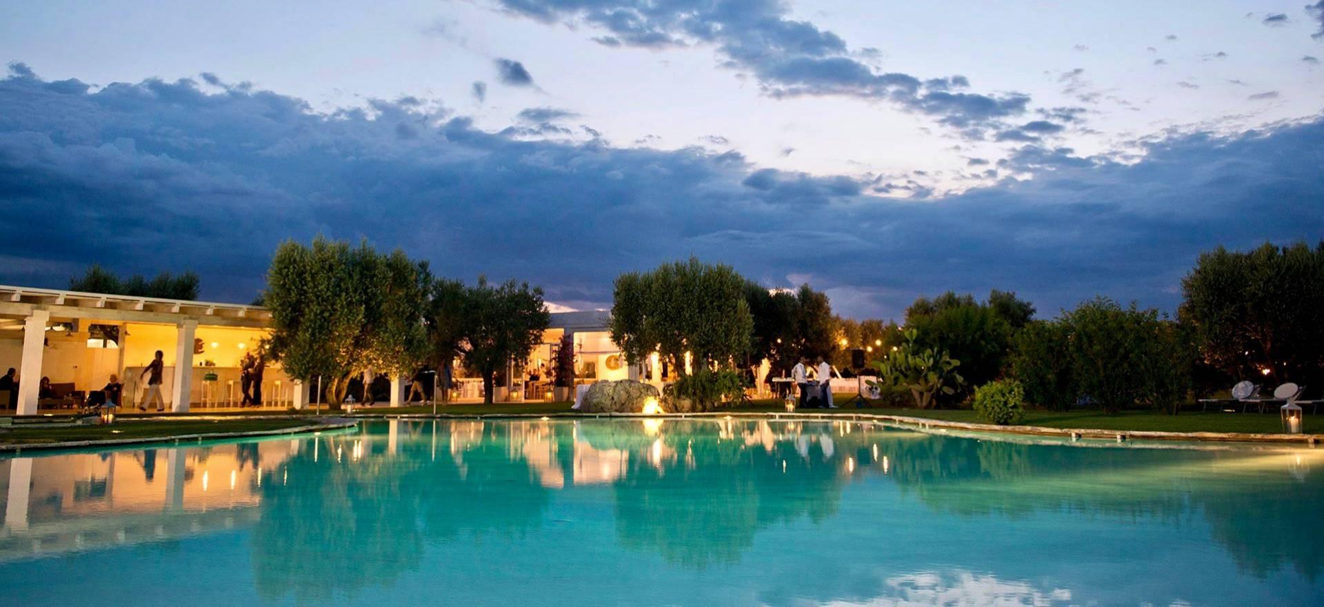 Agriturismo Puglia Agriturismo di lusso con piscina e vicino al mare