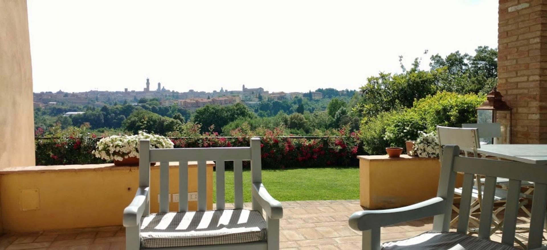 Agriturismo Toscana Agriturismo elegante con bella vista su Siena