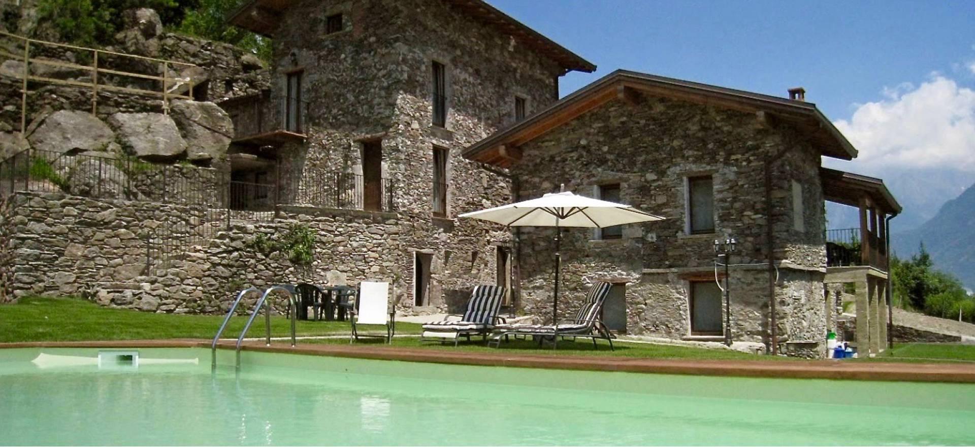Agriturismo Lago di Como e lago di Garda Caratteristico agriturismo nei pressi del lago di Como