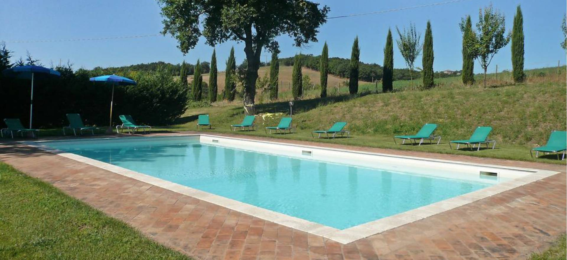 Agriturismo Toscana Due casolari in Toscana con piscina privata