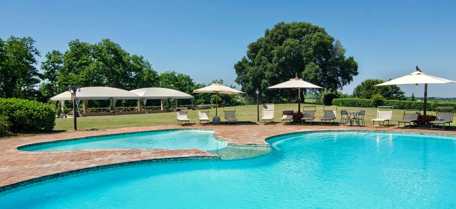 Agriturismo con piscina panoramica in toscana - Piscine in toscana ...