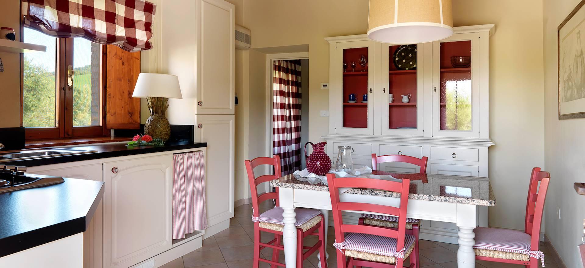 agriturismo toscana con appartamenti ben arredati