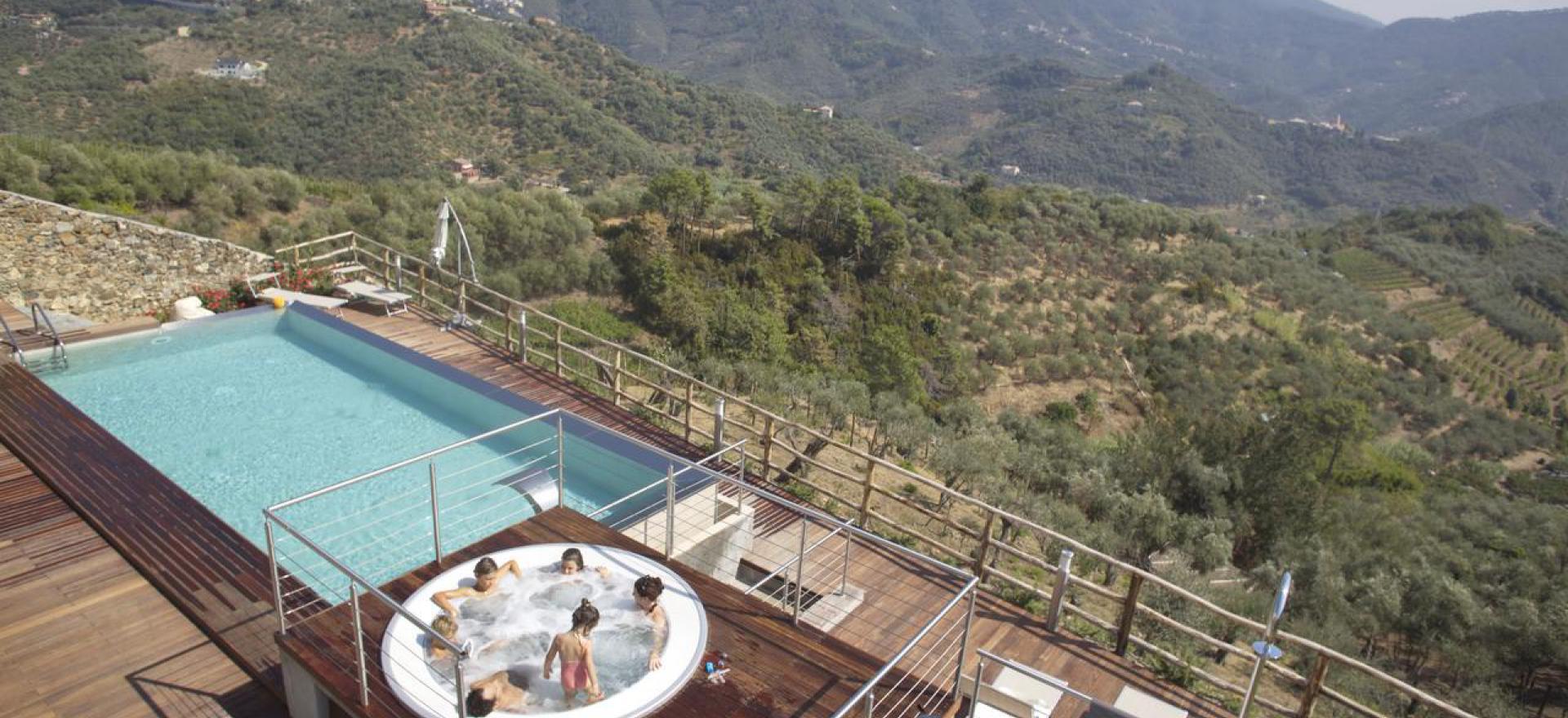 Elegante agriturismo vicino alle cinque terre liguria - Agriturismo liguria con piscina ...