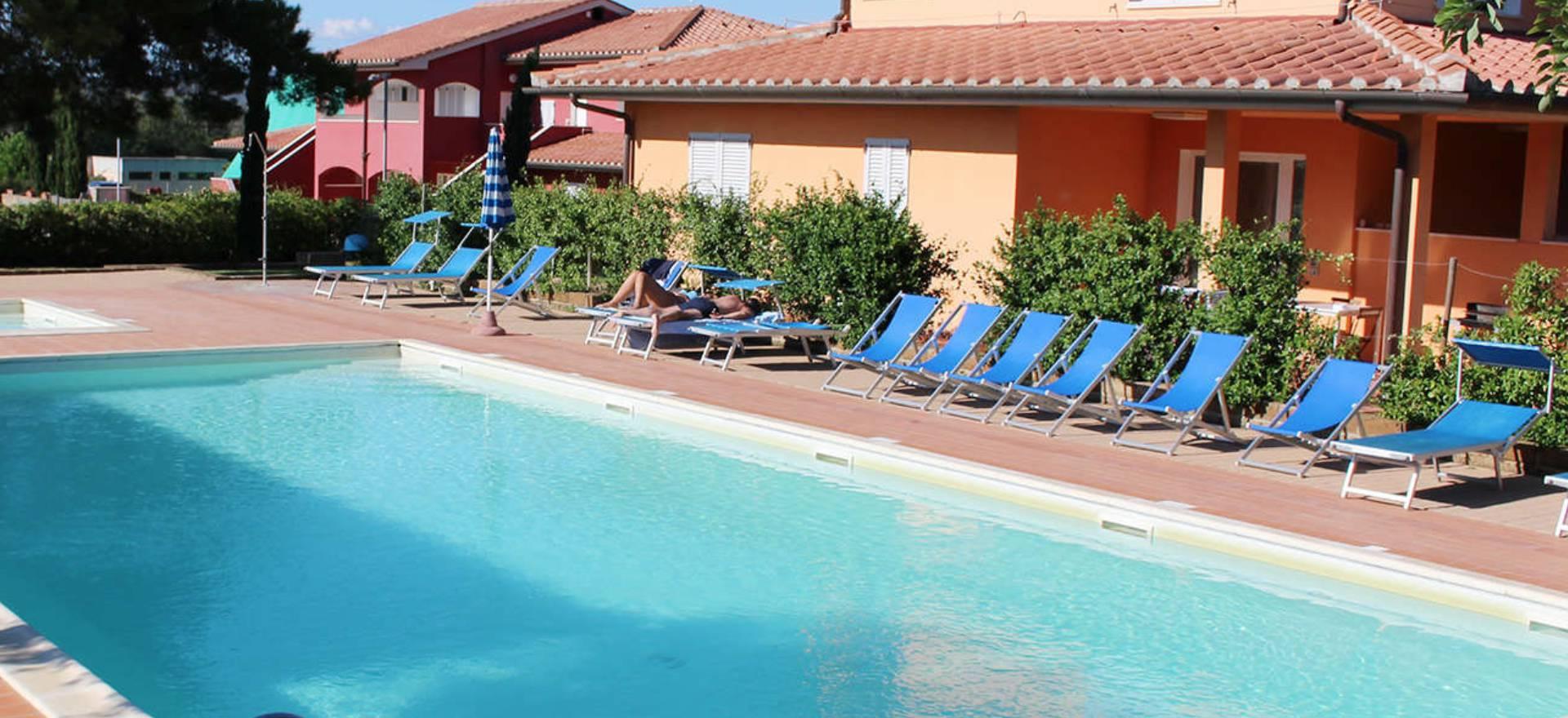 Residence con piscina vicino al mare in toscana - Piscine in toscana ...